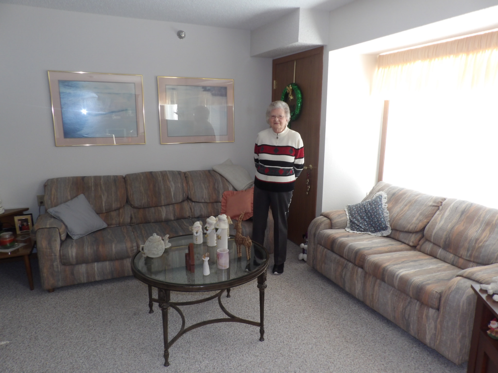 Ruth Palmer shows off her apartment at Oak Terrace Esta